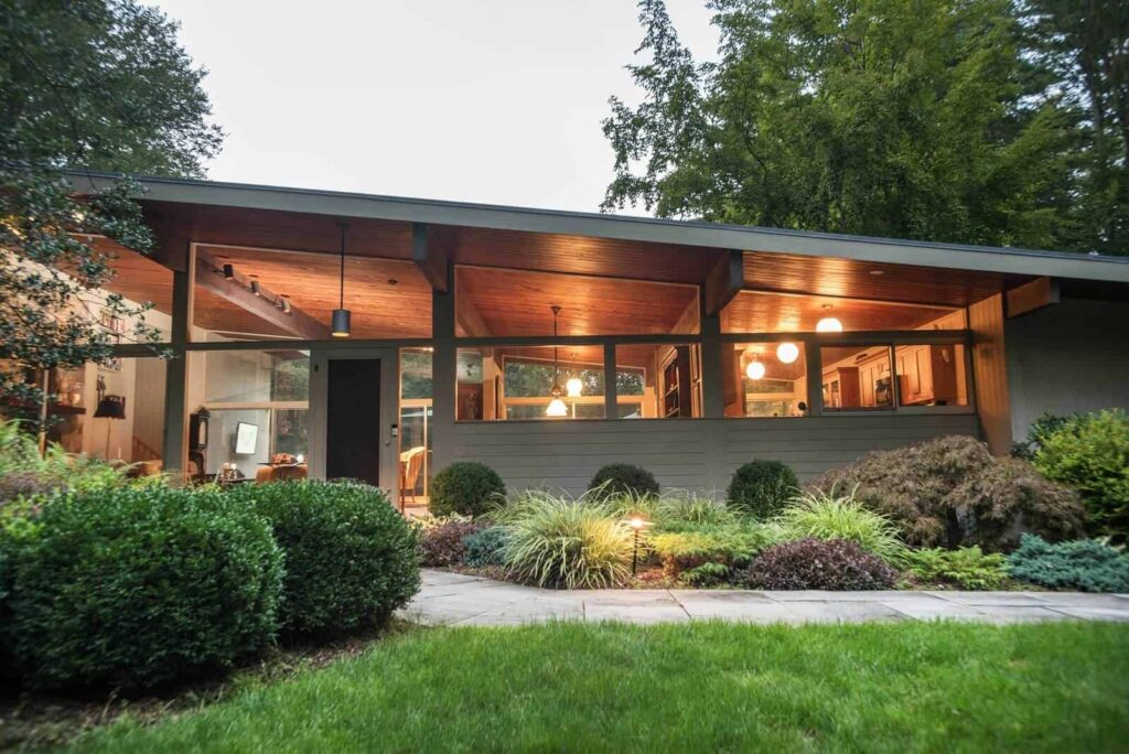 Find your exterior house style Midcentury Modern